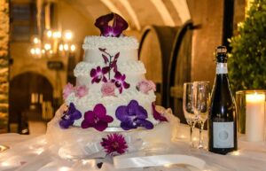 Luxury vineyard weddings in Abruzzo Italy at Castello di Semivicoli. Quality wine cuisine and wedding cakes.