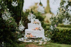 wedding cake flowers in Italian garden decorated