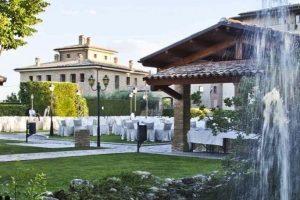 garden castle Italy wedding venue Castello di Septe Abruzzo