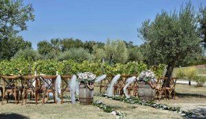 Castello di Semivicoli, wine resort wedding venue in Abruzzo offering official ceremonies in the vineyard
