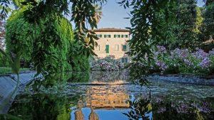 Antique villa with accommodation wedding venue park gardens Le Marche Borgo Seghetti Panichi Ascoli Piceno