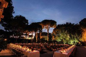 Evening Dining at Villa Aurelia in the garden for weddings in Italy