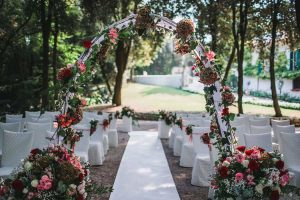 Official marriage ceremony for a wedding in Italy. Full guidance for marriage paperwork by our experts for a flawless wedding in Italy
